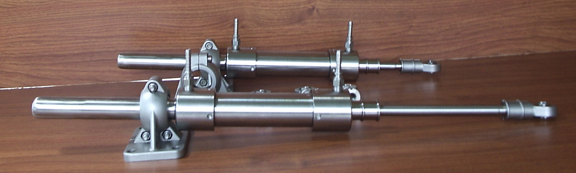 Levi Drives Hydraulic Rudder Cylinder in Stainless Steel 316 (1 4404